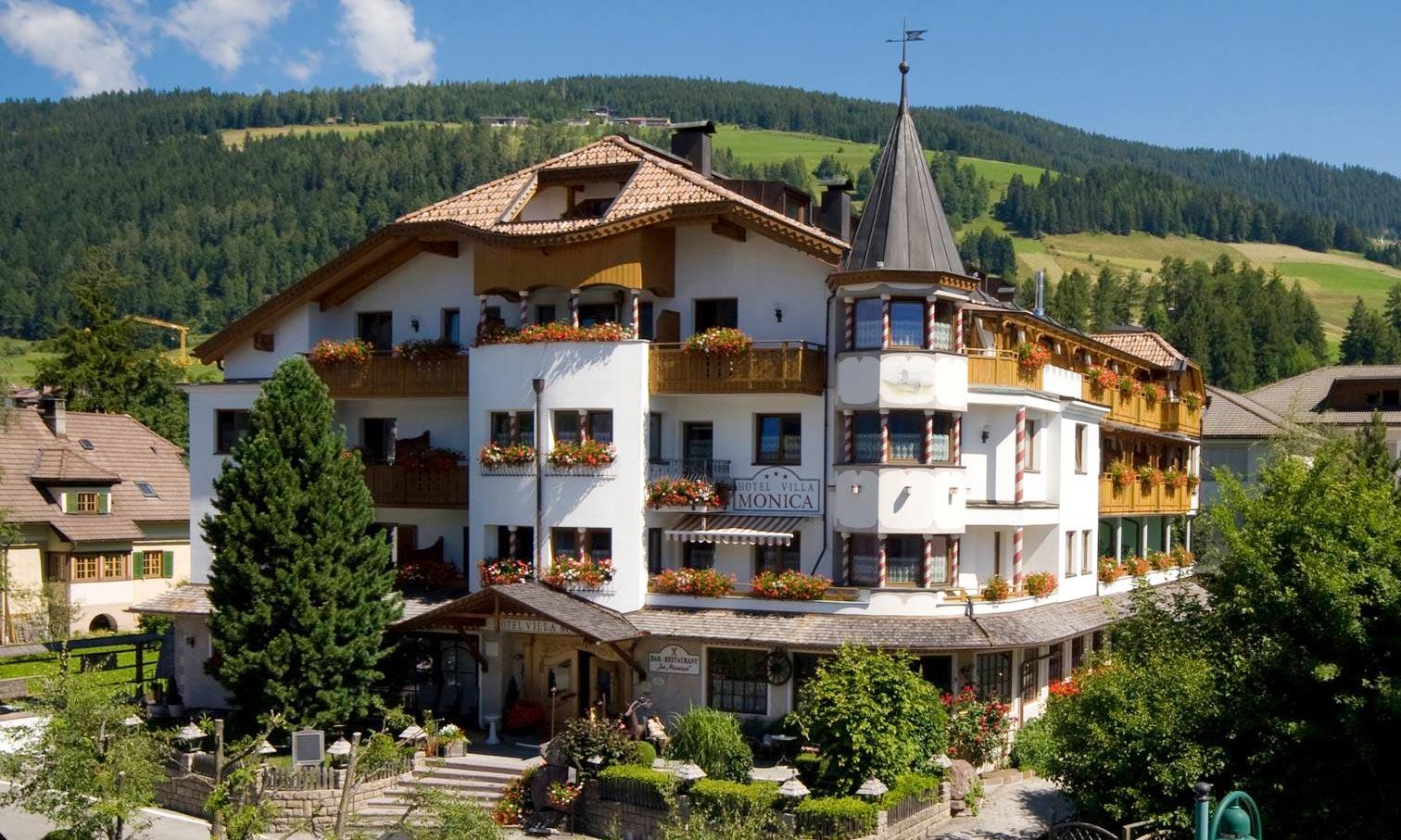 hotel-villa-monica